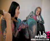 Goth Charlotte put an XXL Hankeys toys upon Anuskatzz anal hole tatto girls from goku